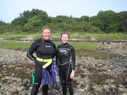 Alexi-Baccardax-westcott-and-Emma-Posluns-eelgrass-monitoring